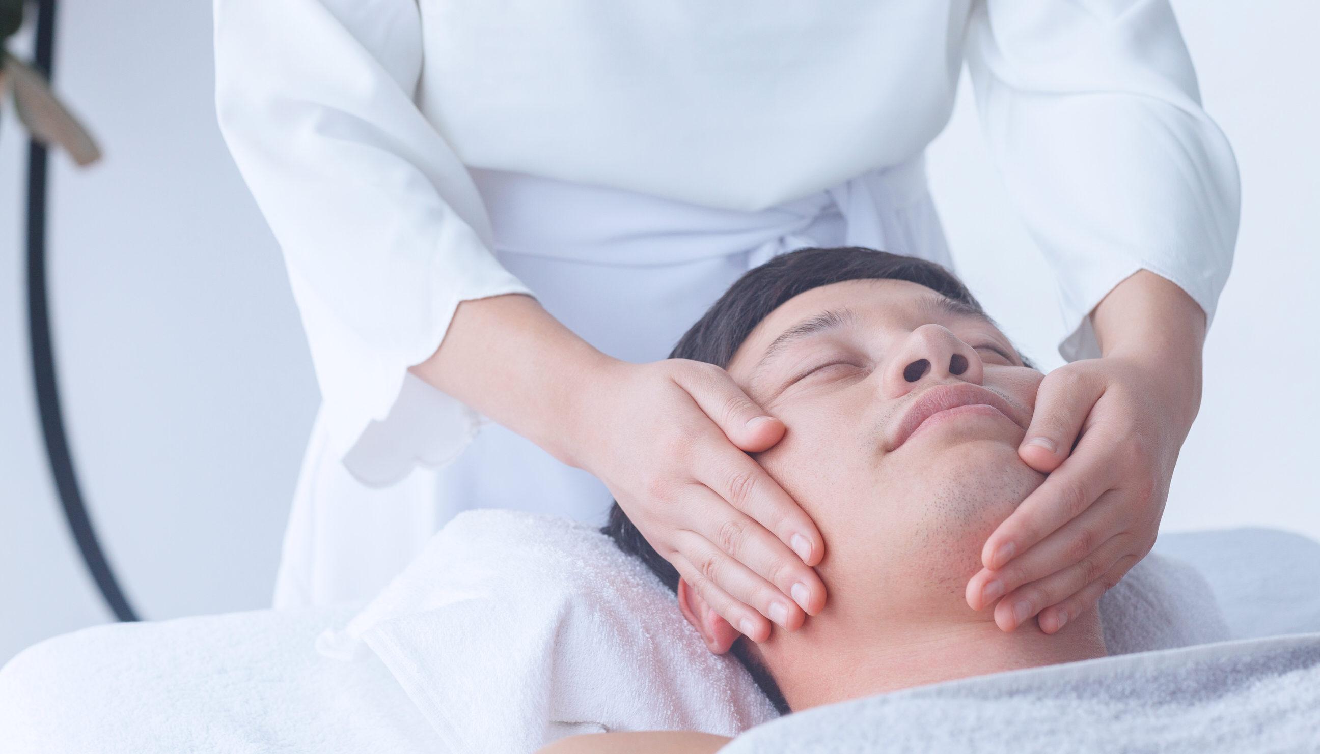 ヒゲ脱毛でツルツル肌になるまでの脱毛回数は平均15〜20回